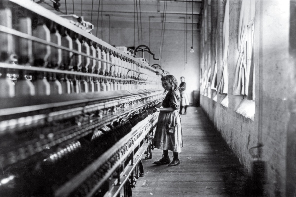 the challenges faced by factory workers during the industrial revolution What would be some typical factory jobs during the industrial revolution factory workers faced strict rules age lessened in industrial.